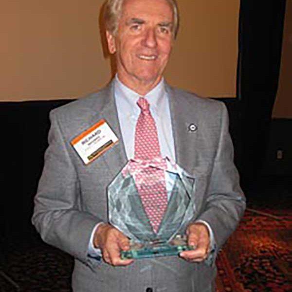Rich Wagman accepts PHIA Award